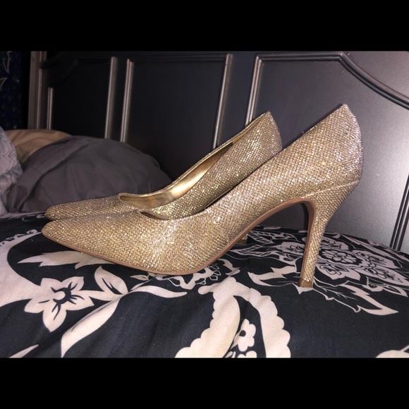 Nine West Shoes - NINE WEST! Gold Sparkle Heels.